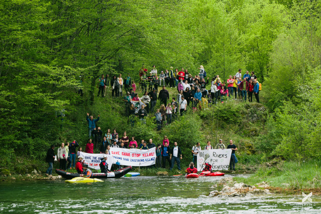 More than 200 people call for protection of Sana river
